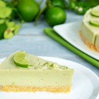 RAW AVOCADO CHEESECAKE